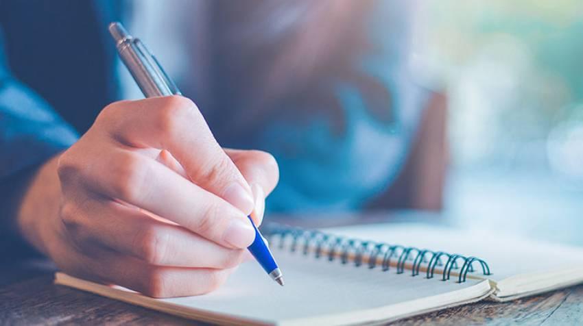 Vuelve a escribir a mano y mantendrás tu cerebro joven