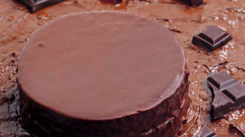 Tarta de chocolate y mermelada