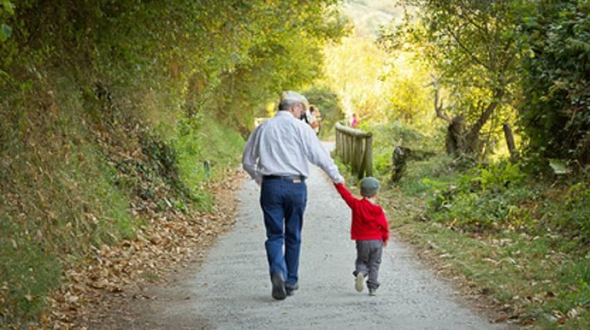 Abuelos canguro: Claves para cuidar de tus nietos