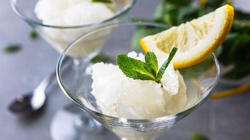 Sorbete de limón, menta y albahaca