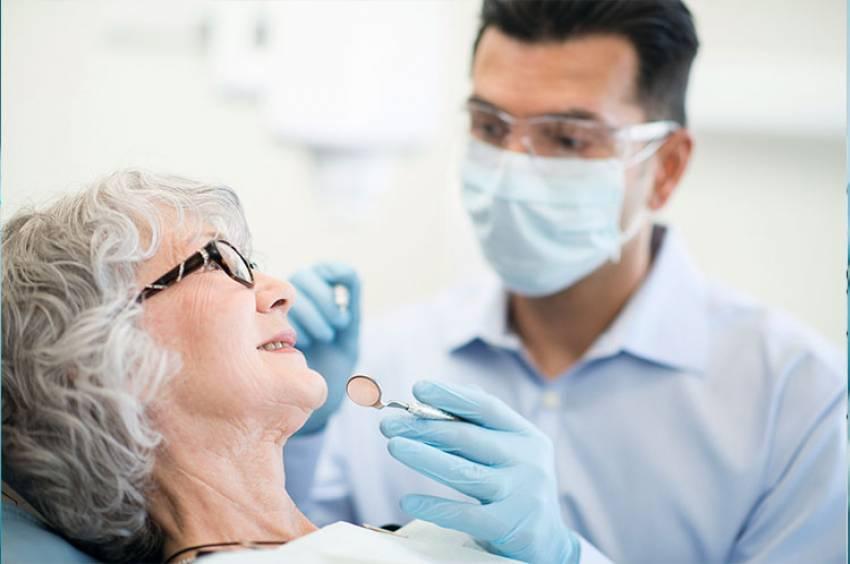 Salud bucodental durante la tercera edad.  Higiene y cuidado de la boca